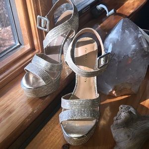 CHINESE LAUNDRY Arcc Glitter Ankle Strap Sandal
